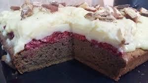 prajitura cu zmeura si crema de vanilie