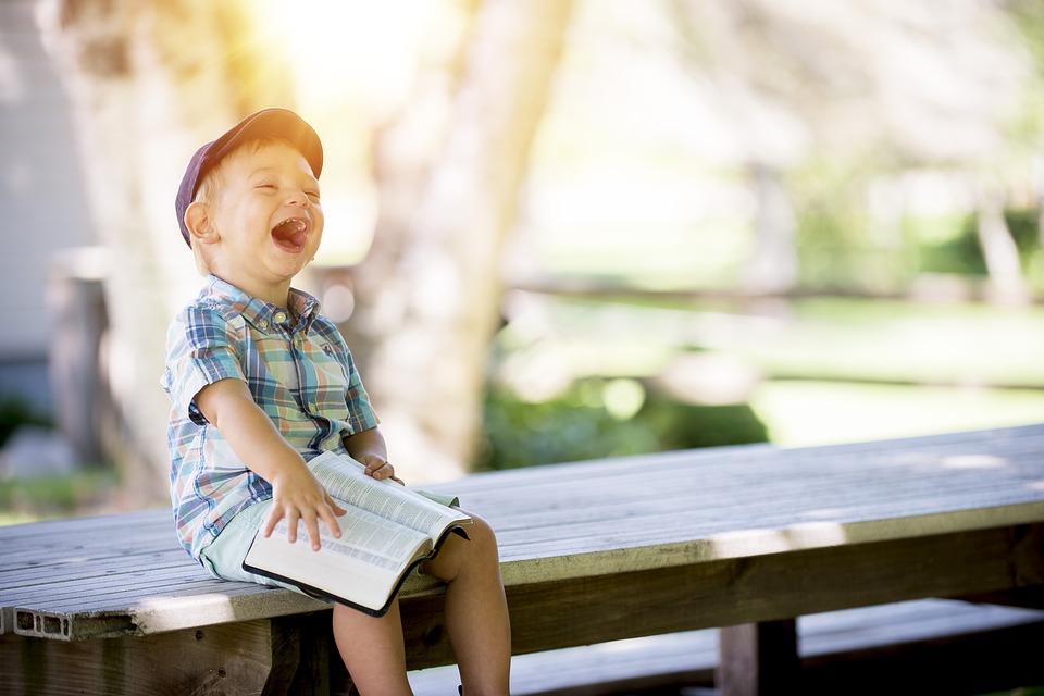 copil fericit